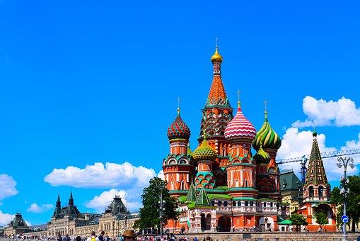 MOSKVA # (povratna letalska karta €77 +  nastanitev) že za €105/os!