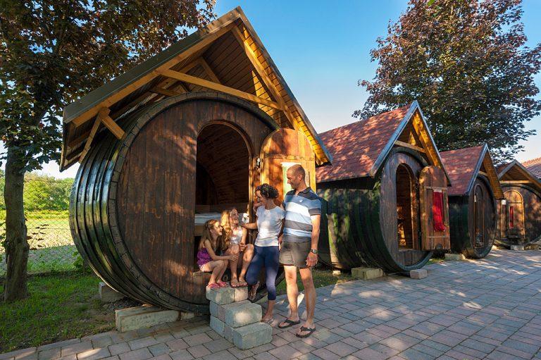 TERME PTUJ – GLAMPING v vinskem sodu # 2 nočitev (polpenzion + bazen + savna) že za €64/os!