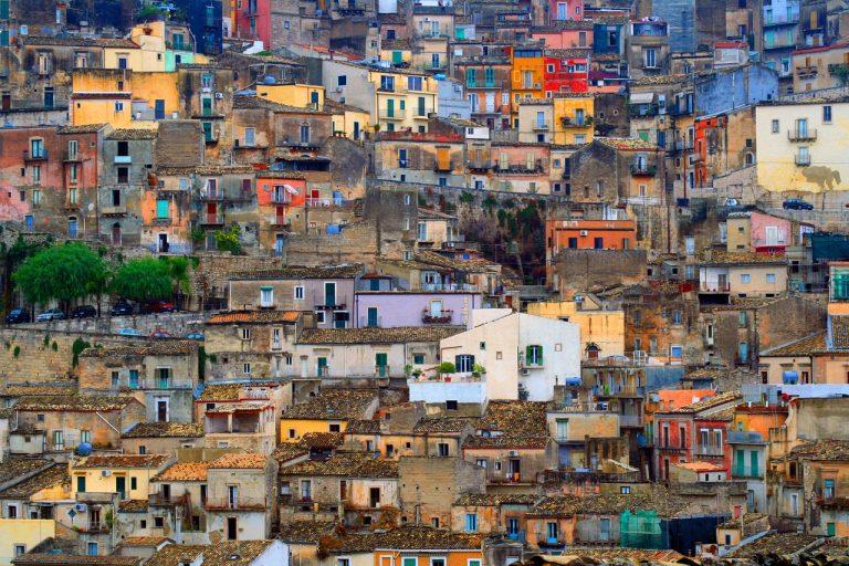 SICILIJA # povratna letalska iz Trsta že od €99/os + avtorent €88/8 dni
