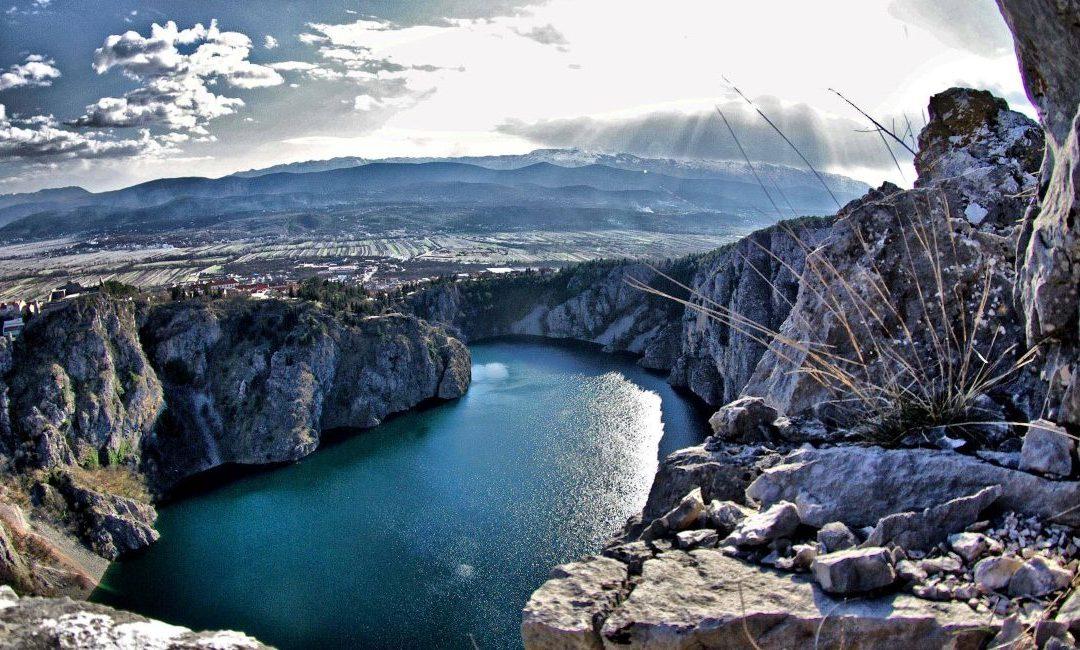 Modro-jezero-Imotski-1-nt9kbfjdgobw5y8iv33psqux48chr3olewdqwkyoo4